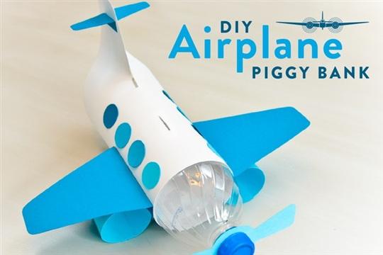 For kids make a unique piggy bank out of a plastic bottle for Plastic bottle piggy bank craft