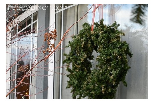 Christmas Crafts Giant Window Wreaths