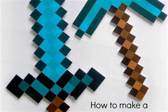 How to make MINECRAFT Diamond Sword and Diamond Pickaxe