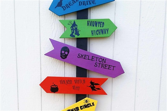Directional Halloween Sign with BEHR? Marquee Paint