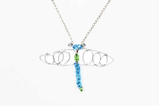 How to make a dragonfly pendant