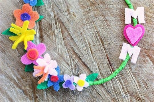 Mini Felt Mother's Day Wreaths