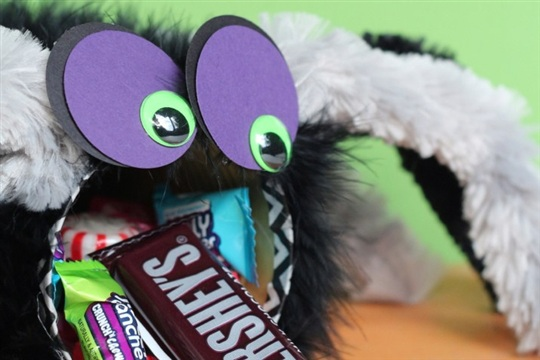 Halloween Crafts Super Cute Tin Can Spiders