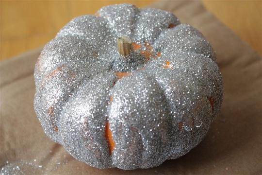 Last Minute Idea No Carve Glitter Pumpkins