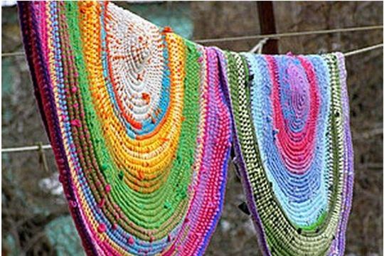 DIY Crochet T Shirt Rug