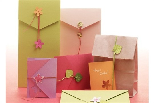Paper Flower Fasteners for Envelopes and Gift Bags