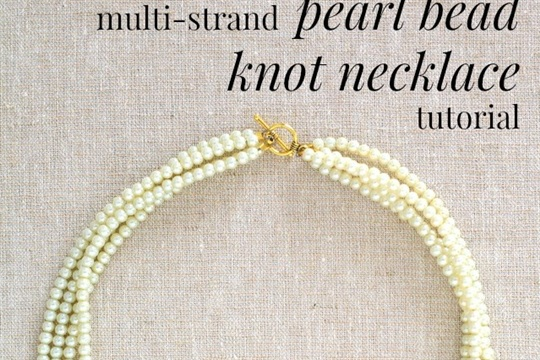 A very pretty DIY! Pearl bead square knot necklace tutorial