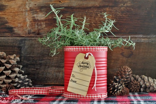 Festive Tin Can Gift 12 Days of Christmas {Day 10}
