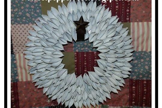 Paulownia Seed Pod Wreath Tutorial Version 1