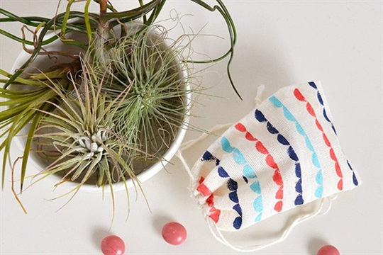 Make + give   Scallop patterned treat bags   Make and Tell