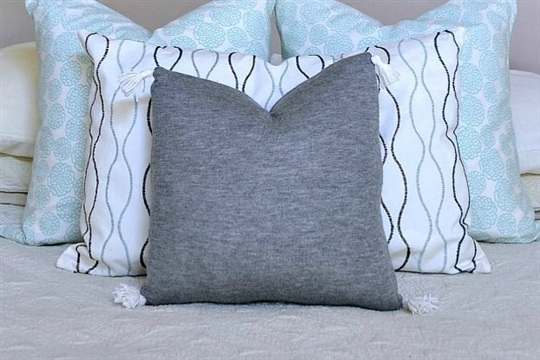DIY Cashmere Sweater Pillow Cover