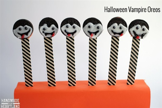 Halloween Snacks Vampire Oreos