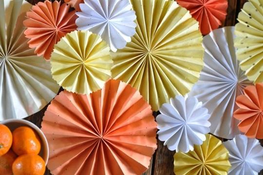 DIY Pinwheel Table Runner