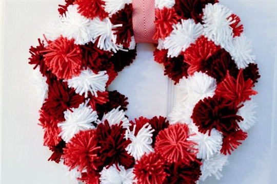 Yarn Wreath Tutorial Valentine's Day Pom Poms