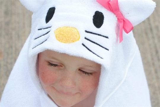 Hello Kitty Hooded Towel Tutorial