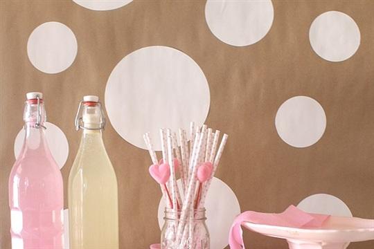 DIY Confetti Party Backdrop