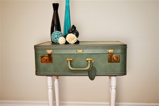 Do It Yourself Vintage Suitcase Table