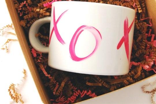 DIY Valentine XO Mugs