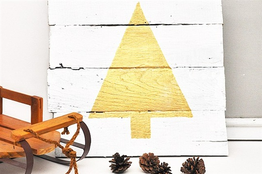 Pallet Wood Silhouette Christmas Tree Craft Positively Splendid {Crafts, Sewing, Recipes and Home Decor}