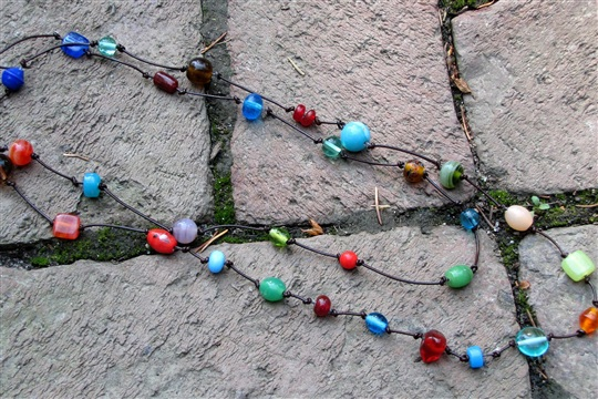 Easy To Make Bead and Knot Necklace