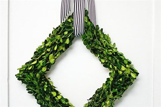 DIY Boxwood Diamond Wreath