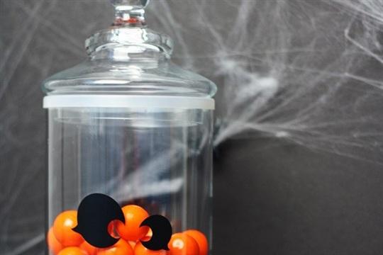 DIY Jack Lantern Candy Jar & Halloween Entryway Decor