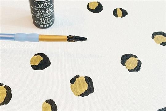 DIY Painted Leopard Spots Canvas